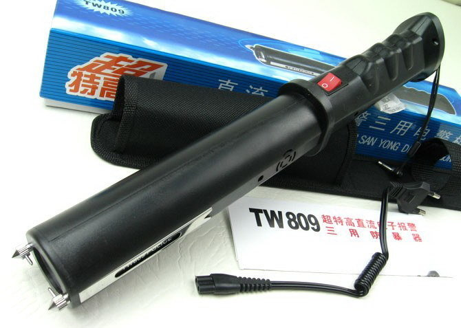 809中长型高压电击棍