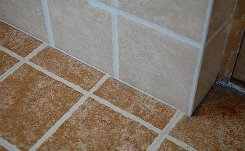 墙砖压地砖还是地砖压墙砖好