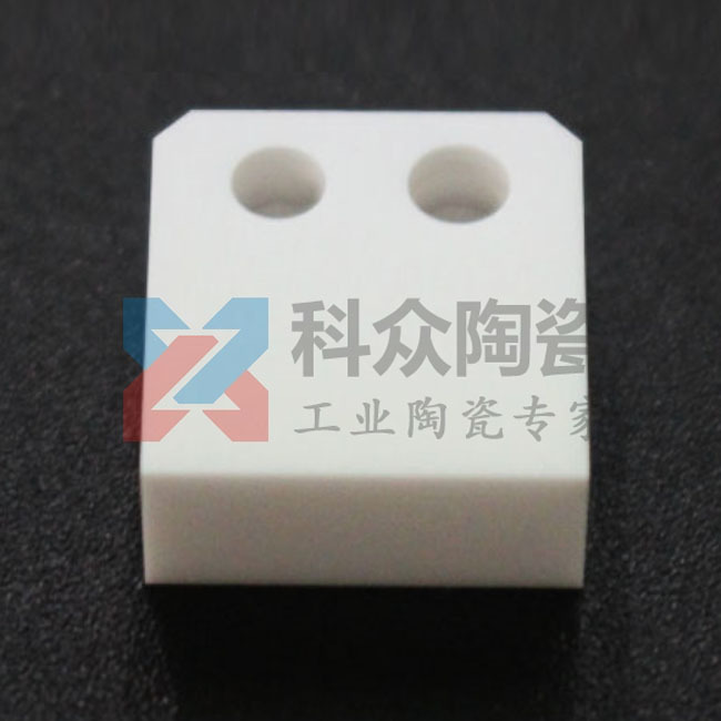 0.7mm微孔氧化锆陶瓷零件