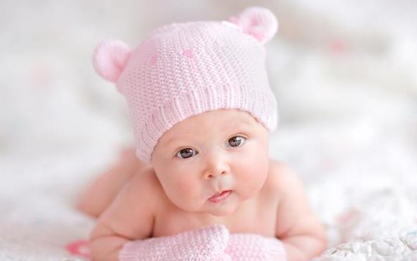 两个月宝宝的视力有何特点