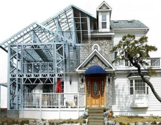 关于轻钢别墅与混砖结构造价