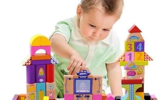 分享怎样根据宝宝的年龄段选择积木?