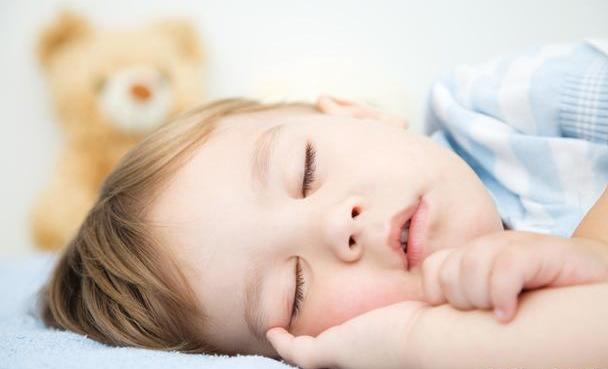 美国试管婴儿宝宝喝水有讲究 4大学问要牢记