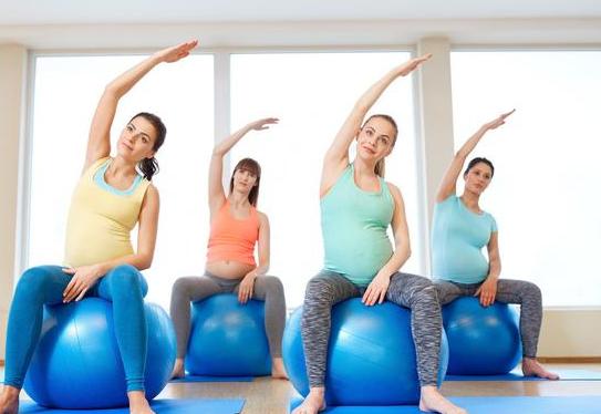 孕妇在进行瑜伽锻炼时有哪些动作需要避免