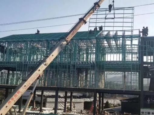 屋顶轻钢骨架安装