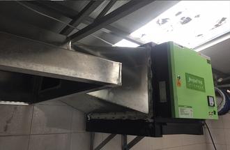 大连市大连派炸串6000风量油烟净化器安装案例