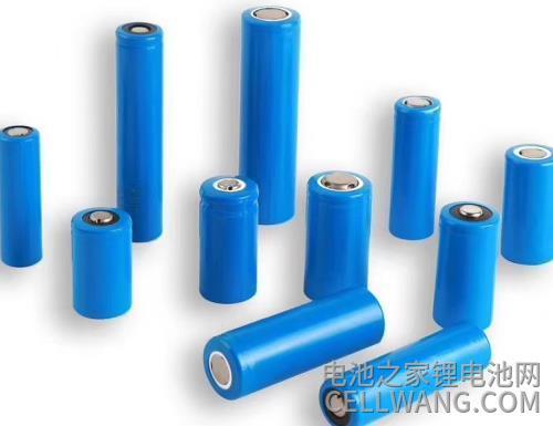不同款式的圆柱型大容量锂电池