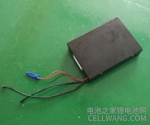 一款侦察机器人锂电池定制实物