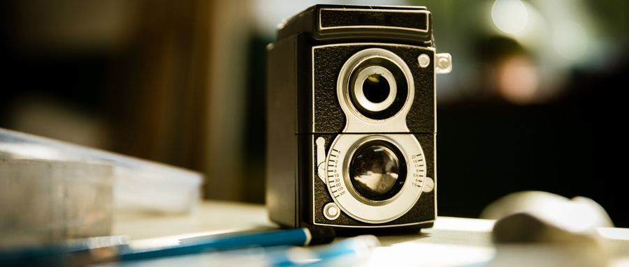 摄图网_501091483_wx_双镜头反光相机静物(非企业商用)