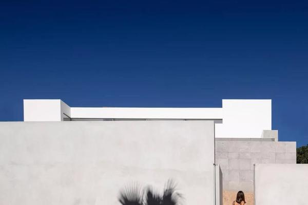极简,是一种深沉的禅意,也是一种诱惑丨意大利威盾门窗