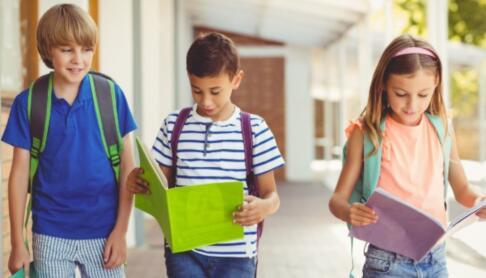 小孩学英语培训该怎么选?如何选择在线少儿英语机构?