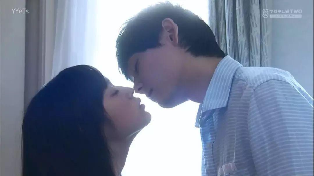 女生怎么做,会让男生忍不住想吻她?