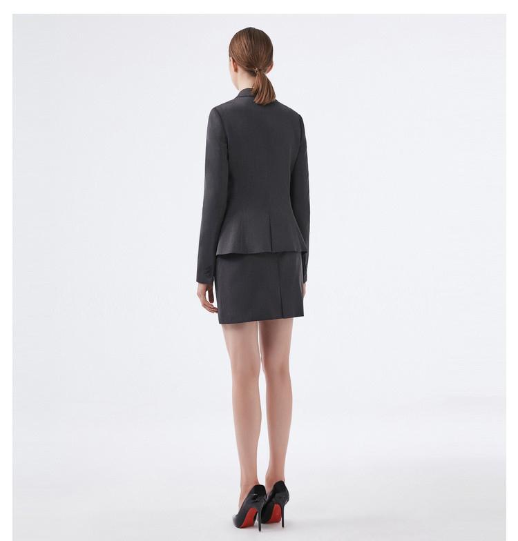重庆深灰色职业女士西服套装背面图