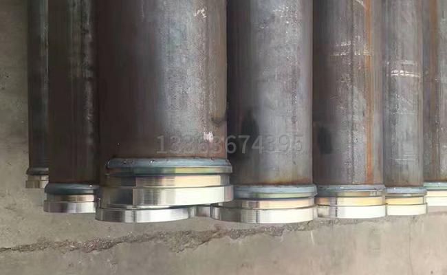 焊接在泵管上的泵管接头