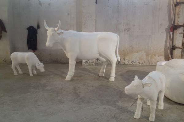 泡沫雕塑牛