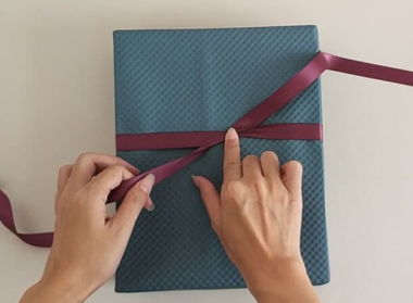 ribbon bow for gift wrapping