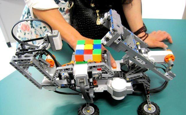 鼓励孩子参与机器人编程大赛的原因