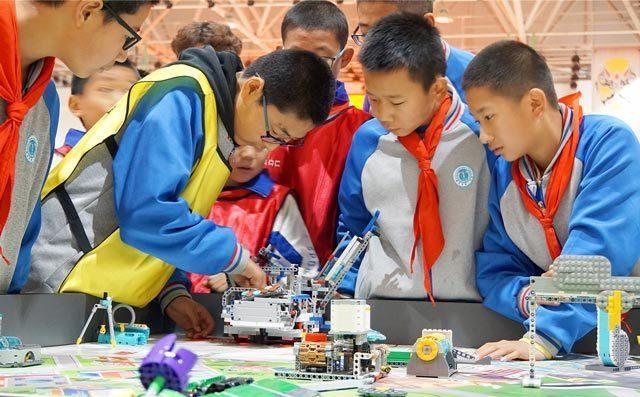 奇咔咔讲解投资机器人加盟需要确定哪些保障
