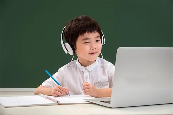 为什么总有人拿性别来决定孩子适不适合学习少儿编程?