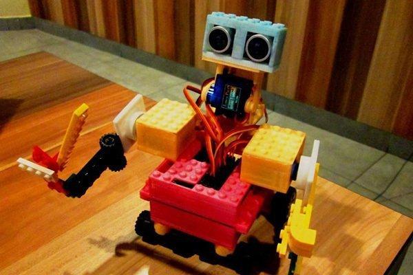 奇咔咔湘潭机器人加盟店铺发展空间大吗?