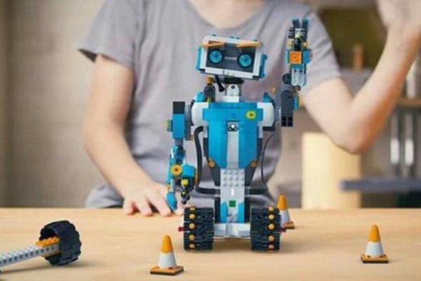 奇咔咔机器人加盟优势多,值得投资!