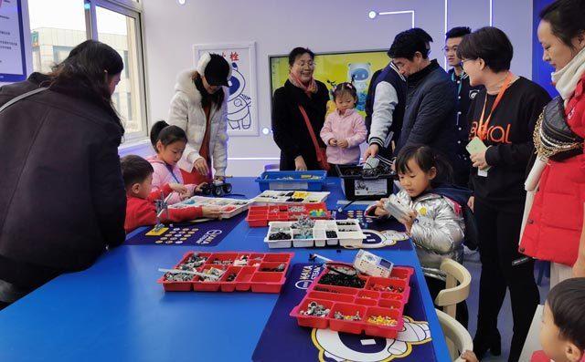 青岛奇咔咔教育严格师资水平