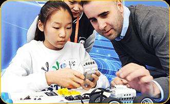 奇咔咔机器人竞赛教学指导课堂展示