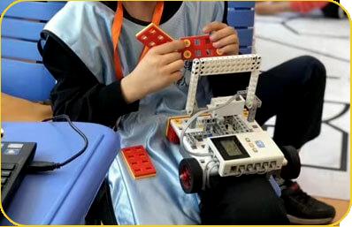 奇咔咔机器人竞赛课堂指导展示