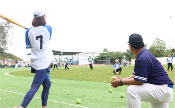 深圳公司高端活动主题团建项目推荐—棒球团建