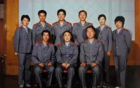 1984款法官制服春秋装