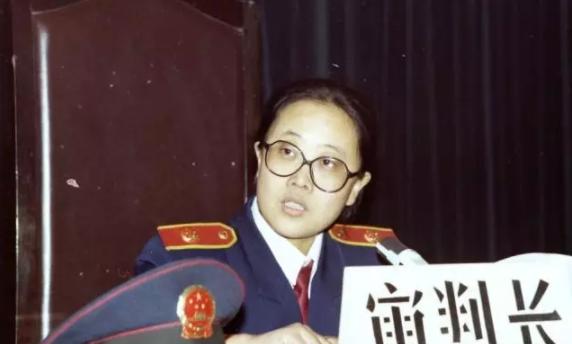 1990款法官制服春秋装