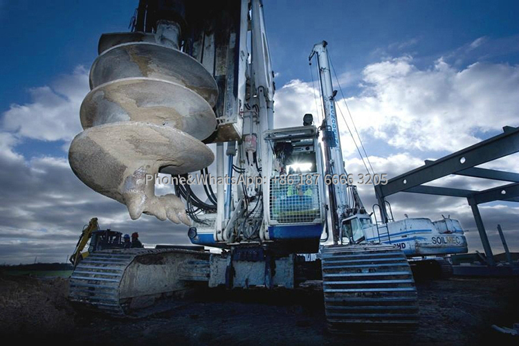 Picture of large rotary drilling rig