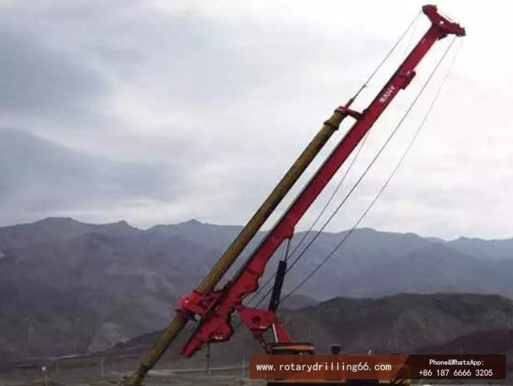 Picture of pile drilling machine in pebble formation