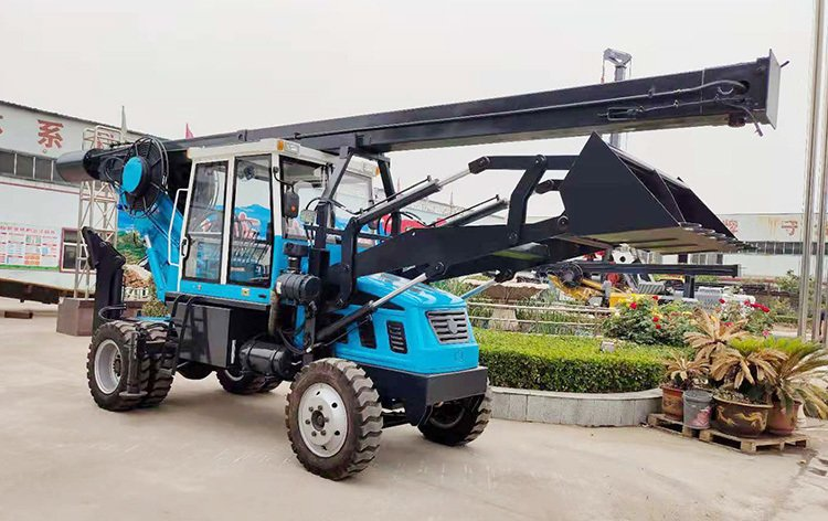 Flexible and convenient small wheeled rotary drilling rig