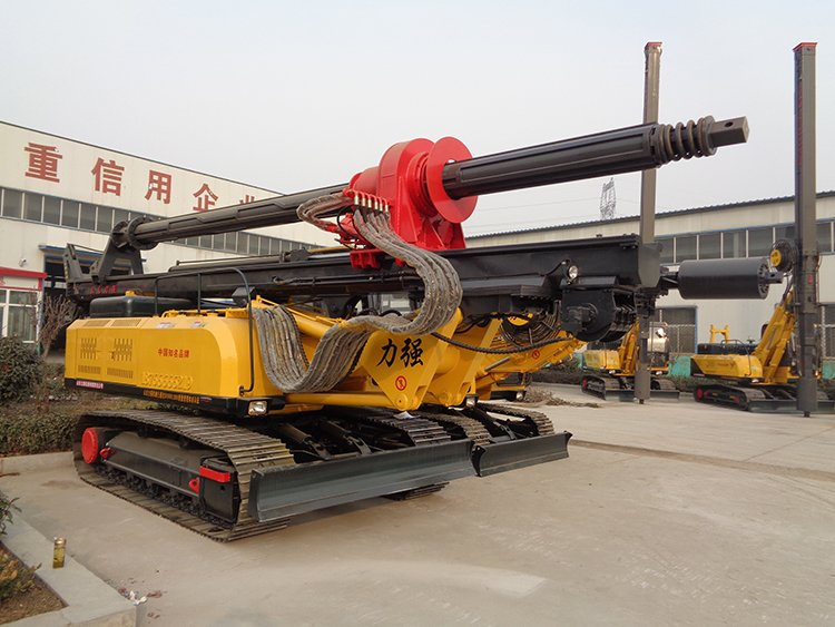 Picture of small rotary drilling rig suitable for engineering construction