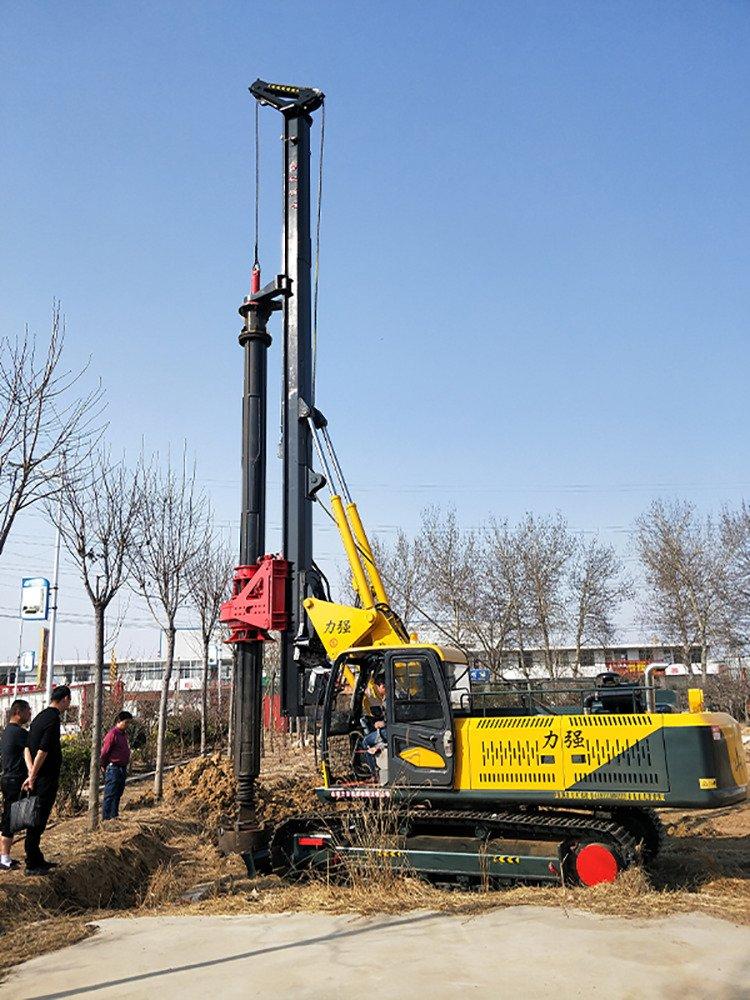 Construction scene of 360-20 machine lock rotary drilling rig