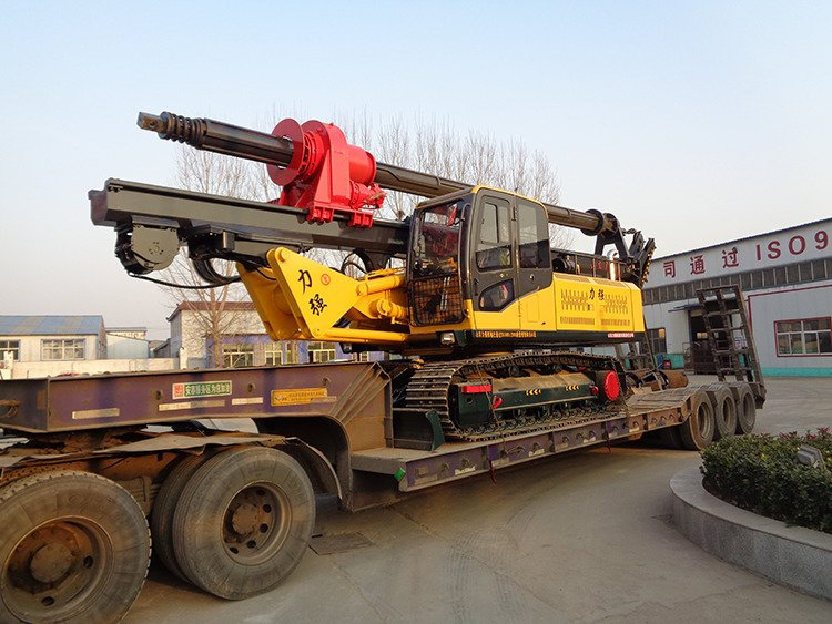 Picture of hydraulic pile driver for construction