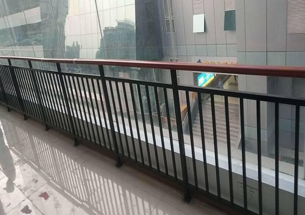 高樓陽臺防護欄定制