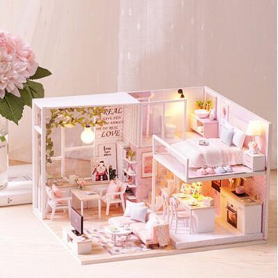 送女朋友的礼物:DIY粉色拼装小屋