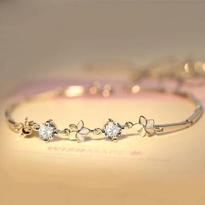 女友礼物:花朵奇缘优雅水晶手链
