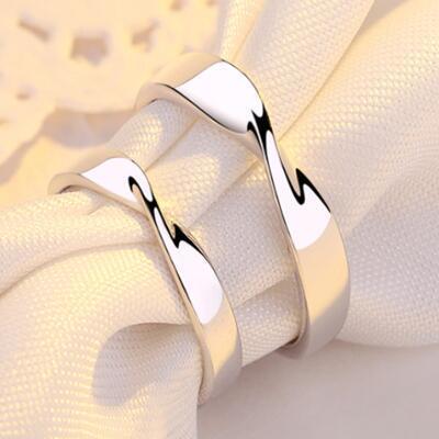 女友礼物:莫比乌斯情侣戒指