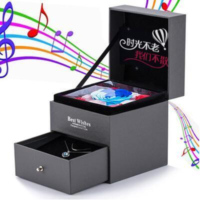 女朋友礼物:项链+花+音乐盒三合一礼盒