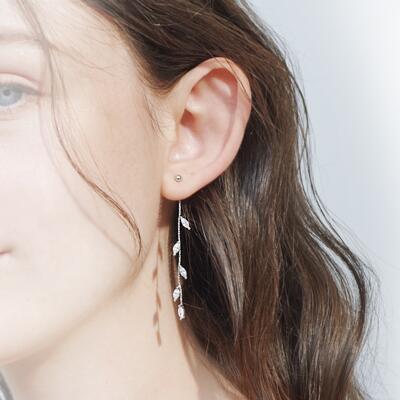 女朋友的礼物:仙女风橄榄叶纯银耳钉