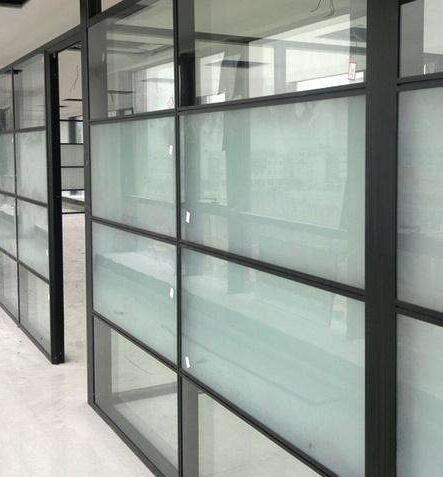 办公室玻璃隔断厂家宏怡的优势