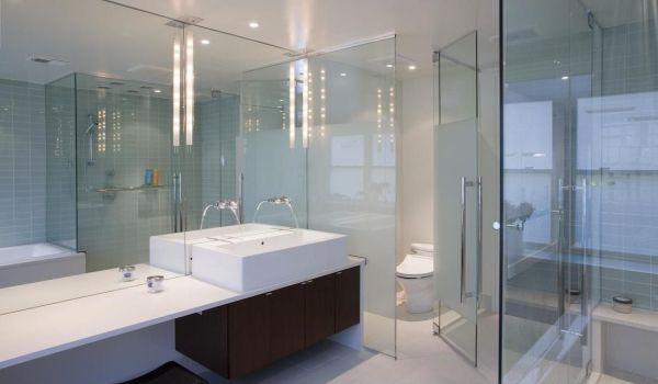 卫生间墙面玻璃