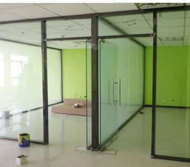 玻璃隔断安装的四个阶段