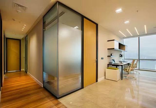 成都办公室玻璃隔断高隔间装修认准成都大名装饰高隔间