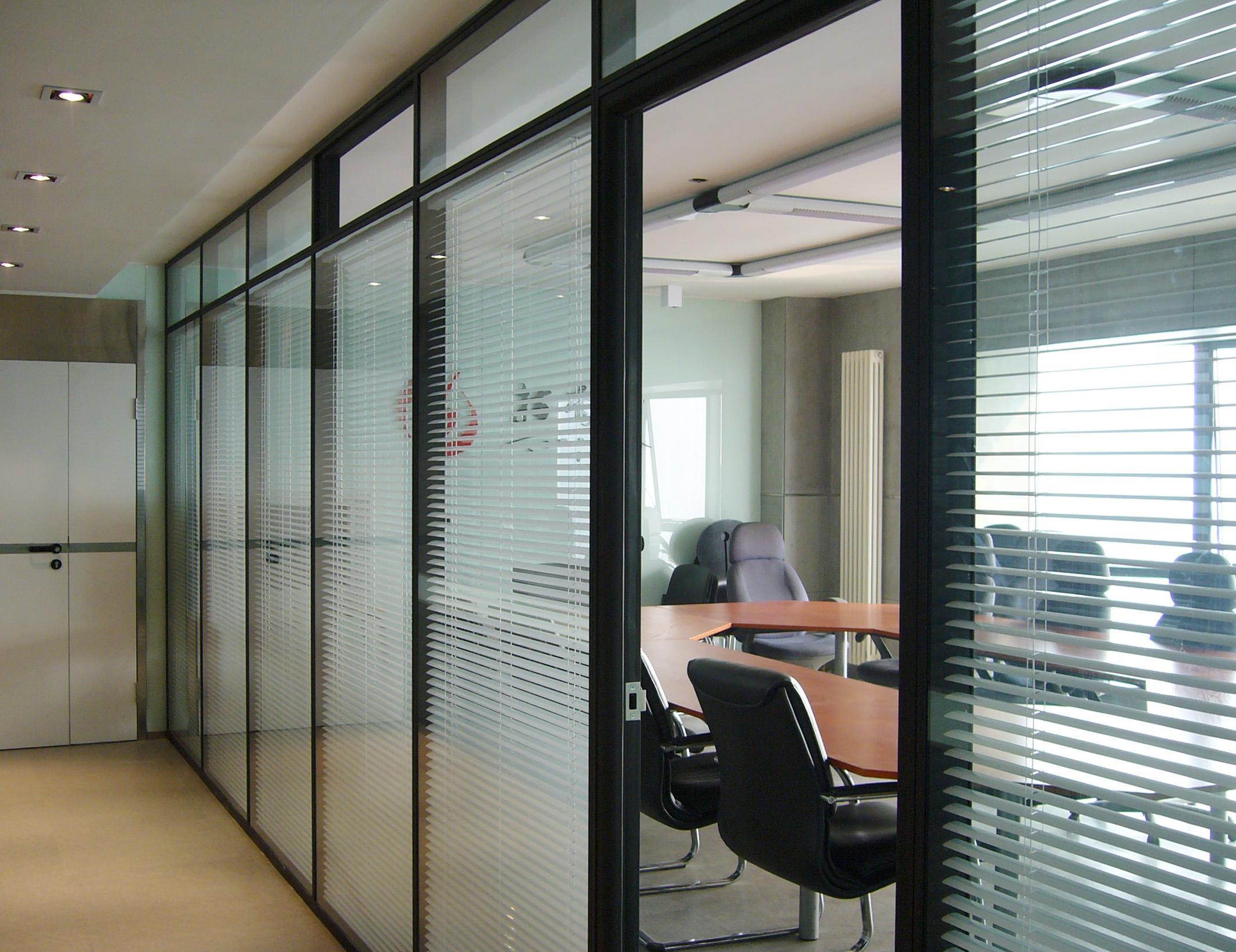 成都办公玻璃隔断认准成都大名装饰高隔间