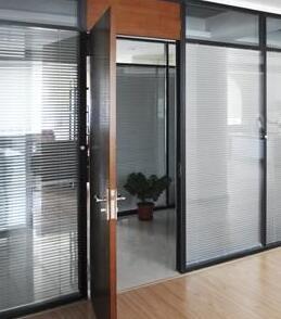 北京玻璃隔断安装细节介绍