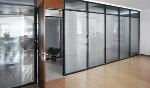 北京玻璃隔断使用规范